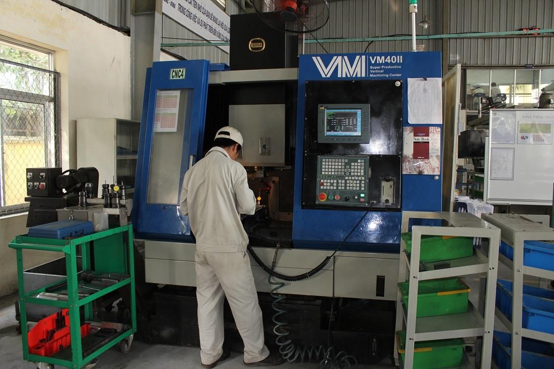 May-phay-CNC-VM-40-II